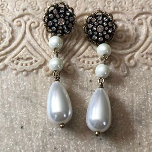 New dangle earrings pearled and crystals 2.5""